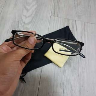 Essential Reading Glasses Frame