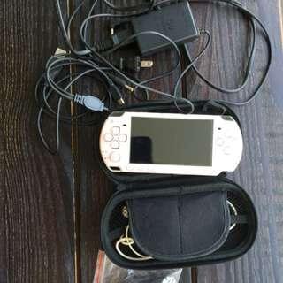 PSP 2000 player