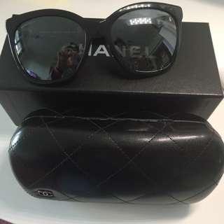 Chanel太陽眼鏡 (只用了二次)