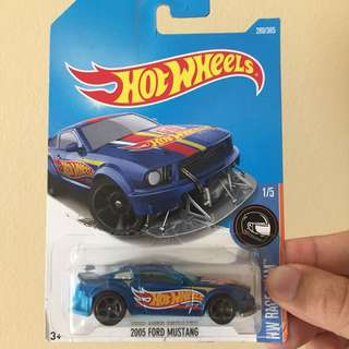 Hw 2005 ford mustang