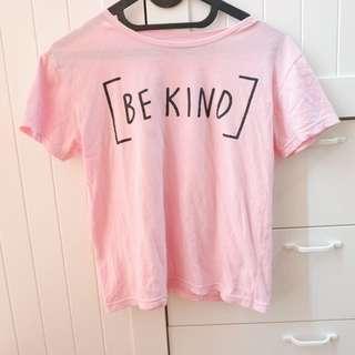 Kaos Tee Be Kind Pink