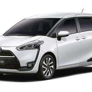 Toyota Sienta Hybrid 1.5 Auto X