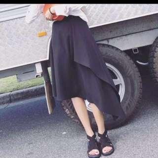 黑色不規則開叉長裙