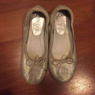 Authentic Chanel silver flats - size 35.5