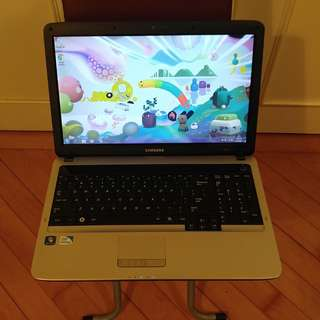 Samsung RV510 15.6 inches Laptop