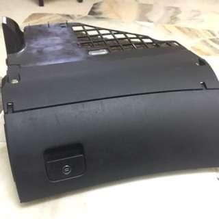 Audi A6 C5 Glove box