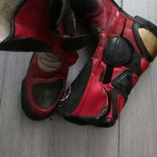 Kasut superbike SIDI MADE IN ITALY.padding rosak.kalau boleh repair lego murah2.#kawasaki #yamaha #honda #suzuki