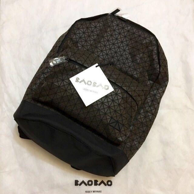 降價$13800再降12800 (全新)BAOBAO三宅一生後背包😋😋😋最後出清價11000