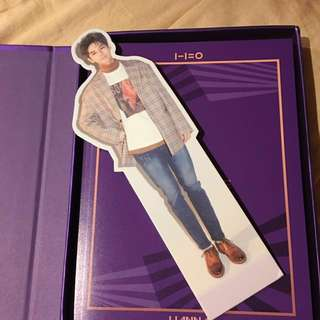 Wanna one Ong Seungwoo Standee