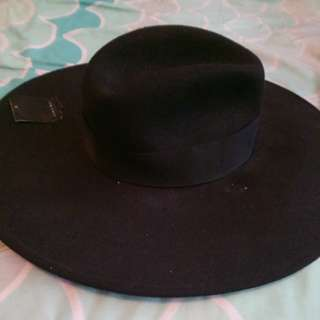 Zara Wide rim hat