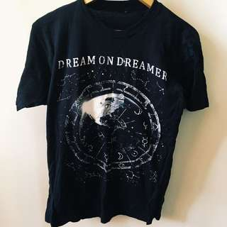 dream on dreamer band merch t-shirt, men's size small