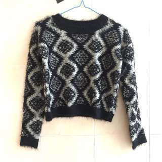 Motel fuzzy cropped printed knit black and white sweater
