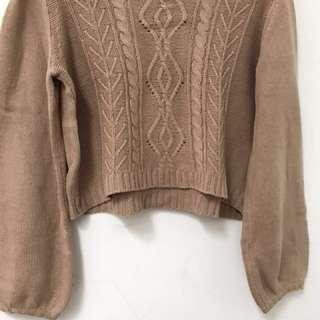 TOP- Light Brown/Cream Crop Sweater