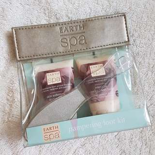BNIP EARTH SPA PAMPERING FOOT KIT FORM MARKS&SPENCER