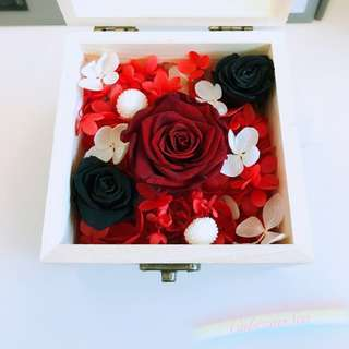 Real Preserved Flower Glass Wooden Box - Red & Black Roses