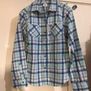 Uniqlo 藍綠白 格仔衫 平放 清屋