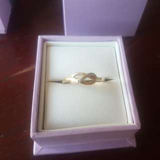 10kt gold ring with diamonds