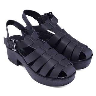 Bermuda heels
