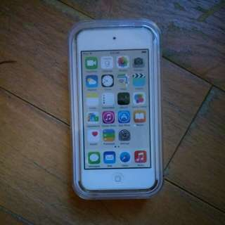 BRAND NEW IPOD TOUCH GOLD UNOPENED 16GB