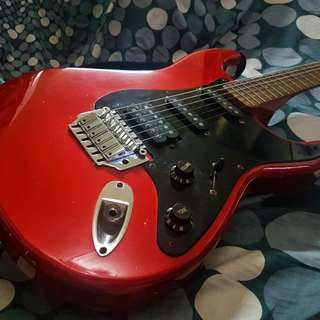 CLASSIC RED & BLACK FENDER ELECTRIC GUITAR