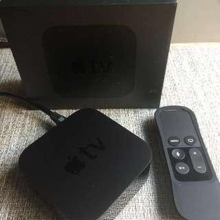 Apple TV (附原廠盒子/遙控器還附知名外國設計的橡膠套好握好拿充份保護)