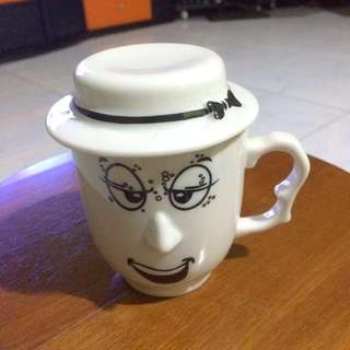 BN Unique Cup with Hat Cover