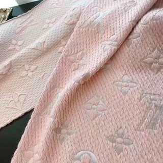Lv 頸巾