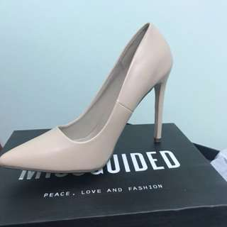Misguided Pointed Stiletto Court Shoe Blush Size 9 👠