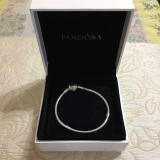 全新Pandora心心手鏈