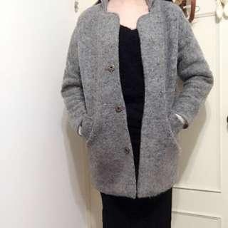 🚚 灰色毛絨大衣