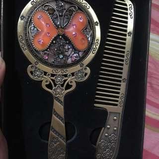 SALE ❗️❗️❗️Fancy Comb and Mirror