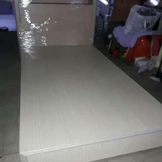 3尺半單人床九成新不含床墊