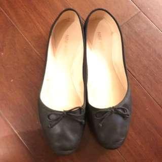🚚 Nine West 娃娃鞋