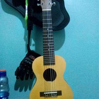GUITALELE Guitar + Ukulele