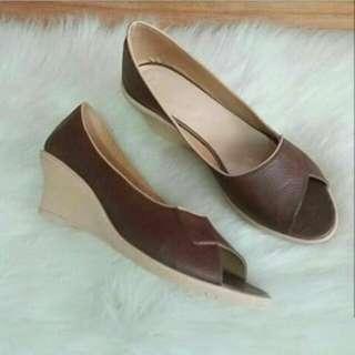 Sepatu dan Sandal Kulit Asli
