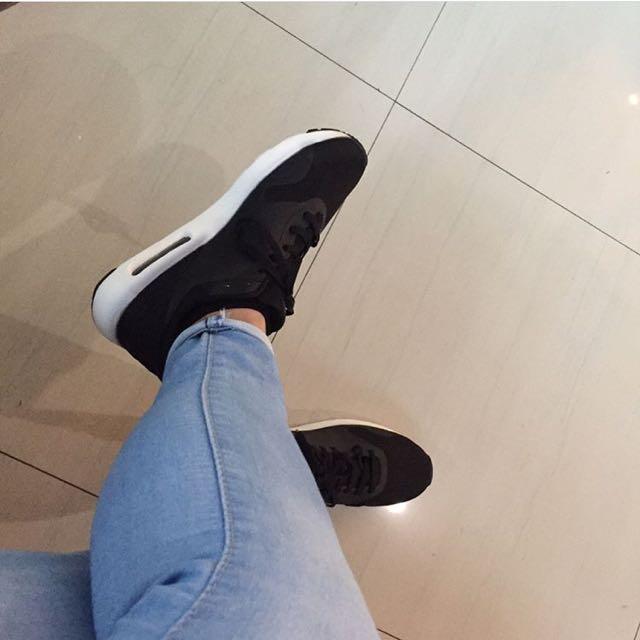 Air Max Thea Black