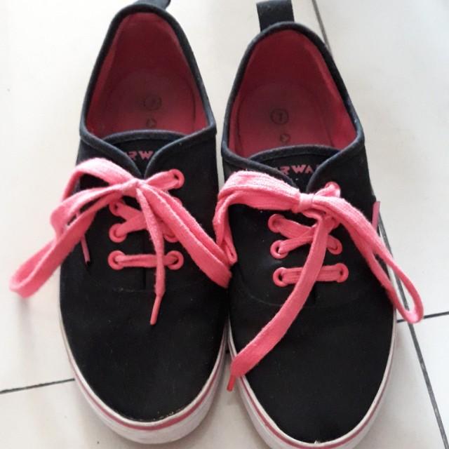 Airwalk Sneakers Black & Pink