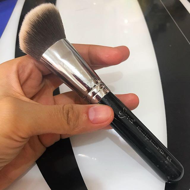 Auth 💯 Sigma Kabuki Angled/Contour Brush