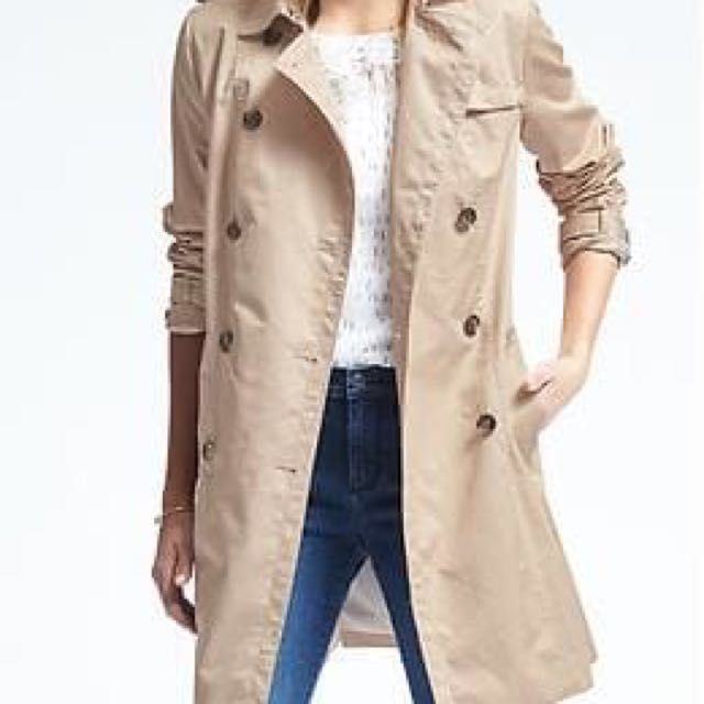 Banana Republic Trench Coat Small