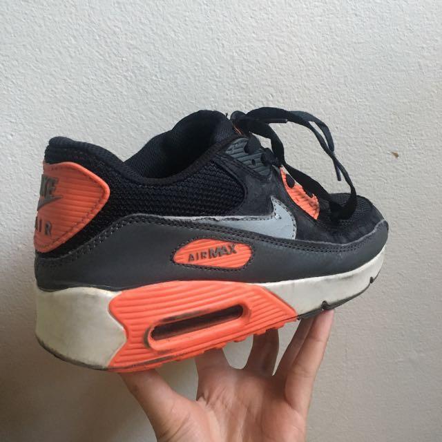 Black & orange Nike air maxes Authentic