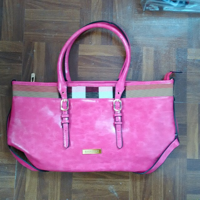 Burberry pink shoulder bag