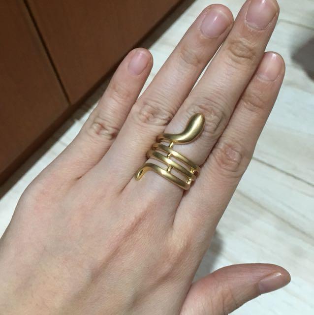 Cincin ular gold