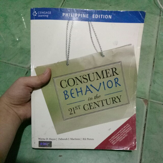Consumer Behavior by Wayne D. Hoyer, Deborah J. MacInnis, Ric Pieters