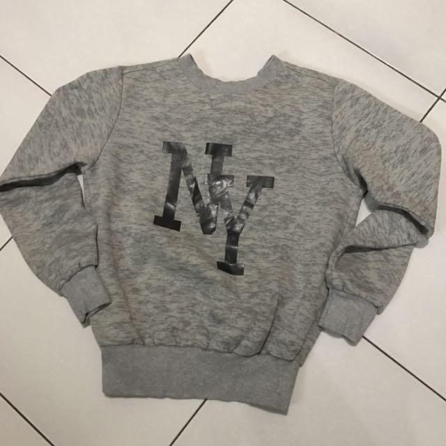 Crop grey sweater