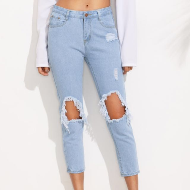Cropped ripped Blue Jeans