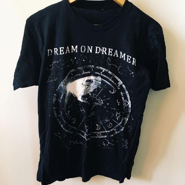 dream on dreamer band merch t-shirt, men's size small