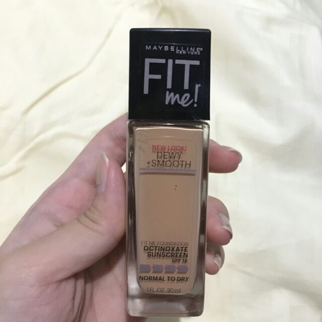 Maybelline Fit Me Foundation Dewy & Smooth