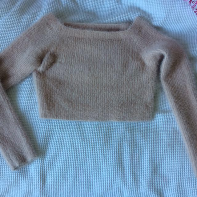 fluffy glassons crop top