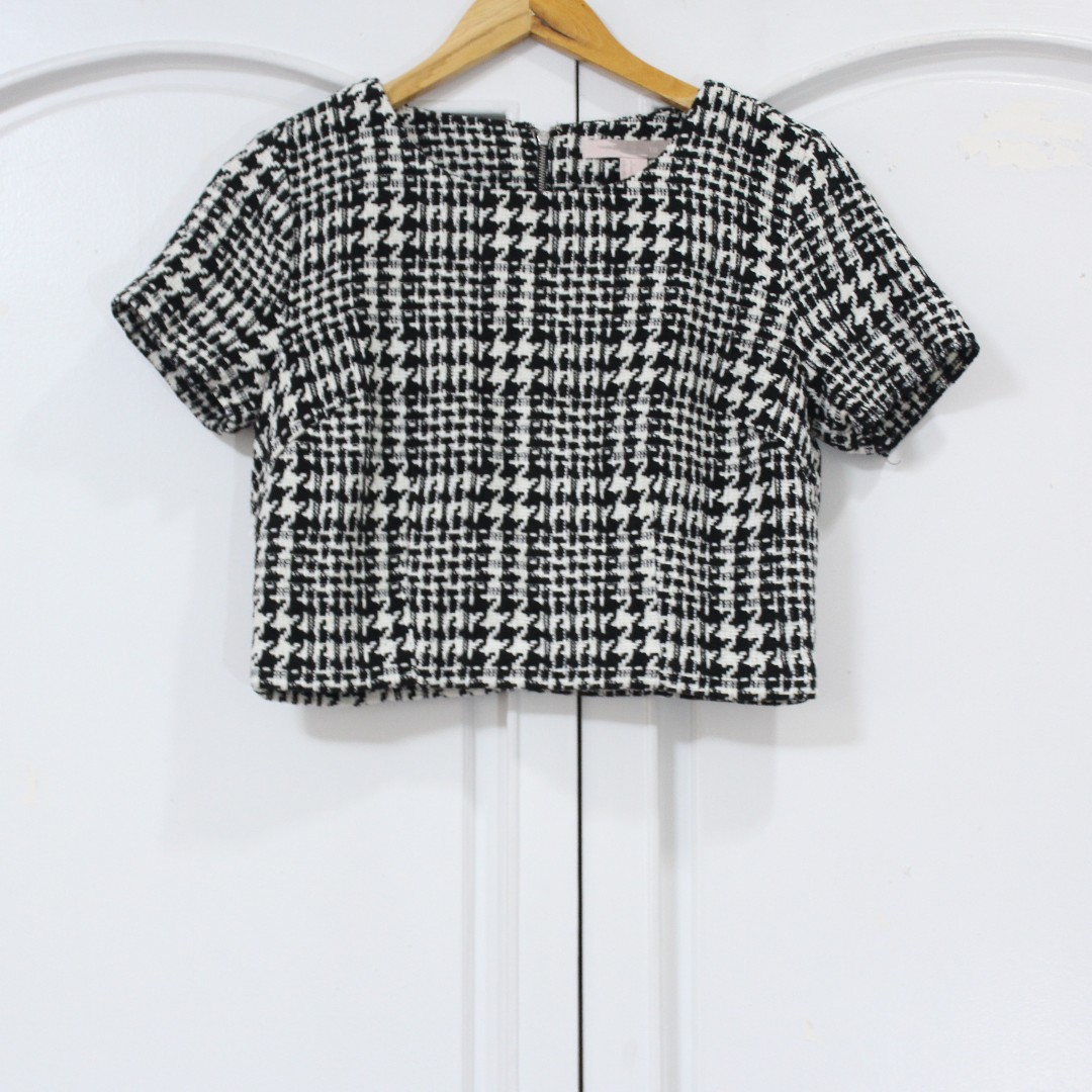SALE! 😍 Forever 21 - Houndstooth Top