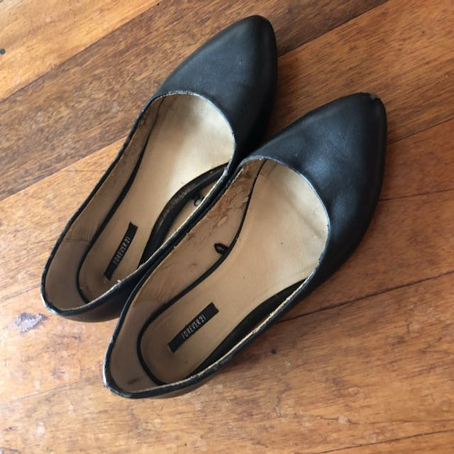 Forever 21 Black Flats size 6